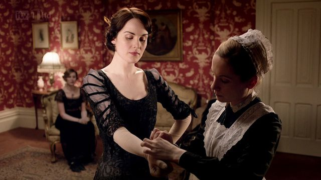 DowntonAbbeyS02E01_Maryblackgown_gloves by sweetsundaymornings, via Flickr