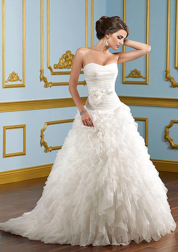 2504e15e782290d Свадебные платья напрокат от американского бренда Mori Lee в Москве в  студии Таффета. Прокат свадебных