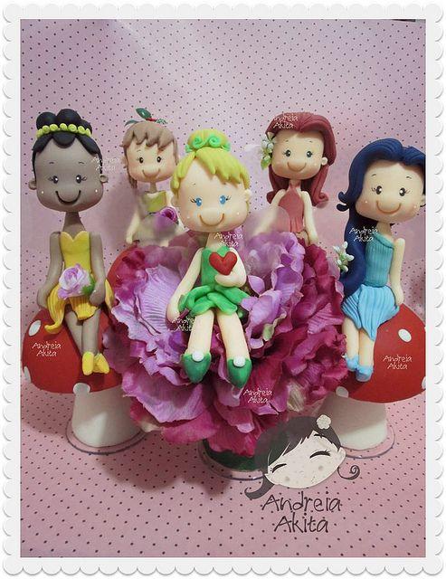 13/09 - Aniversário da Laurinha !! Tinkerbell e sua turma alegraram a festa cheia de amor da Mamãe Rbk Fotografia ! Peças aproximadamente com 28 cm   Flickr - Photo Sharing!
