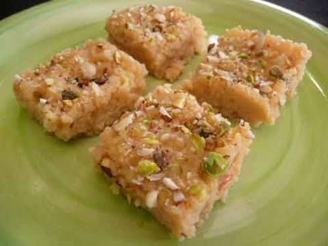 Quick Kalakand - Indian Milk Burfi Recipe (made in microwave with condenced milk and ricotta cheese)