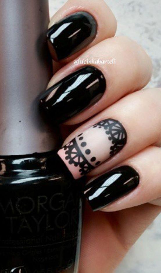 Lace black nails
