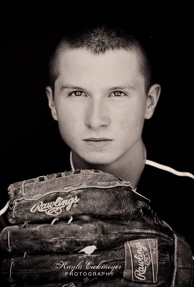 Senior portraits For Boys :: Baseball :: Kayla Eickmeyer Photography