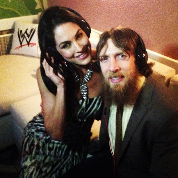 Daniel Bryan Girlfriend 2013 Brie Bella dating Dani...