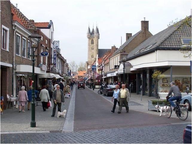 Sluis, NL gezellig winkelen, ook op zondag