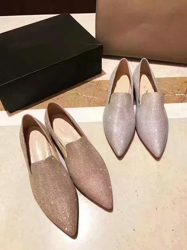 122.00$  Watch here - http://alilxu.worldwells.pw/go.php?t=32790856167 -  2017 spring pearls heel flat shoes fashion woman's pointed toe flat shoes EU35-40 slip-on pointed shoes flats