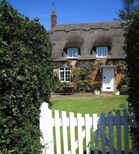 Oltre 25 fantastiche idee su cottage inglesi su pinterest for Nuove case in stile cottage