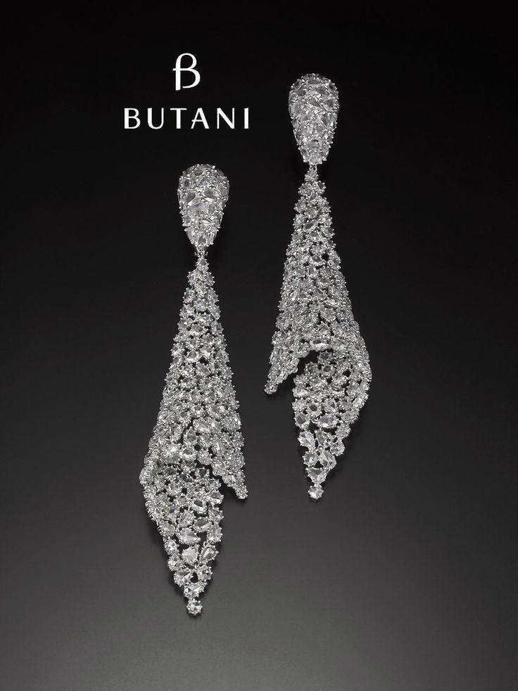 Staying true to the signature of Butani style, opulence comes in 32 carats of rose cut diamonds on this drape earrings #Butani #ButaniJewellery #signature