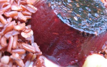 """750g vous propose la recette """"Gelée de betterave au sésame à l'agar-agar"""" notée 4.8/5 par 5 votants."""