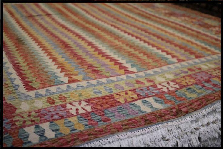 Persian Carpet Warehouse - Kilims 100% wool handmade rug