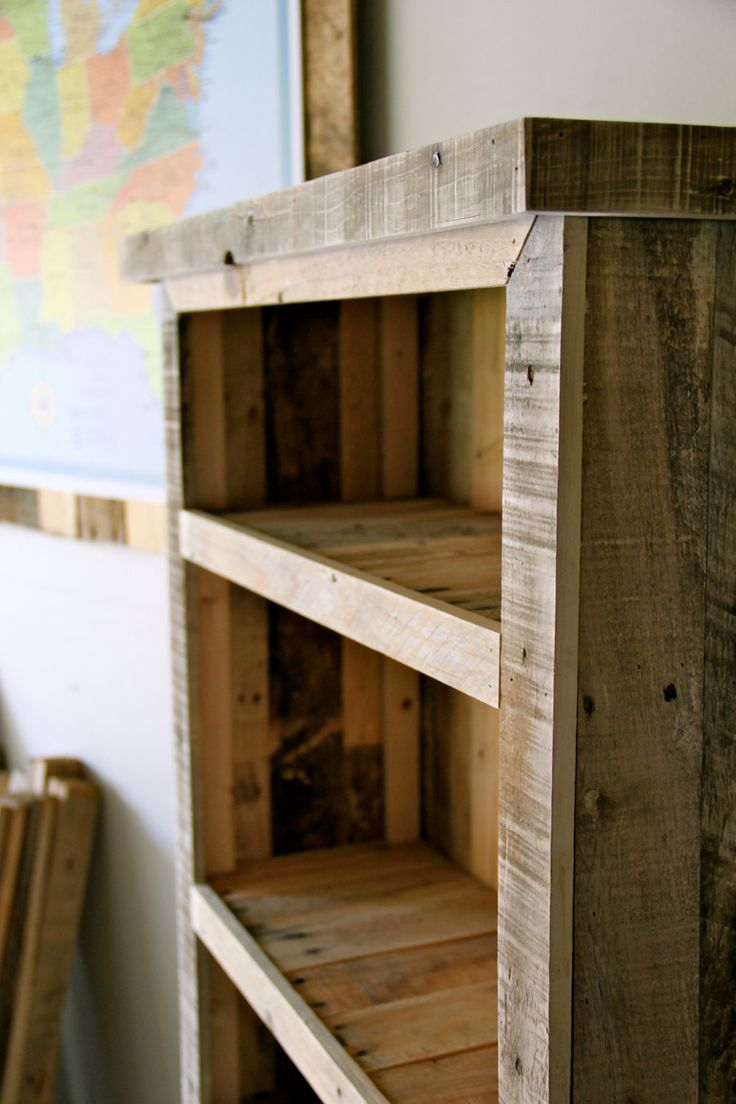 24 best pallet bookcases images on pinterest woodworking for Reclaimed pallet wood projects