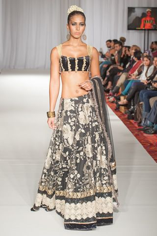Rana Noman Collection at Pakistan Fashion Week 5 London