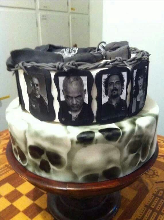 I want this cake for my birthday. Sons of Anarchy cake... How freaking awesome?!?!?!?!