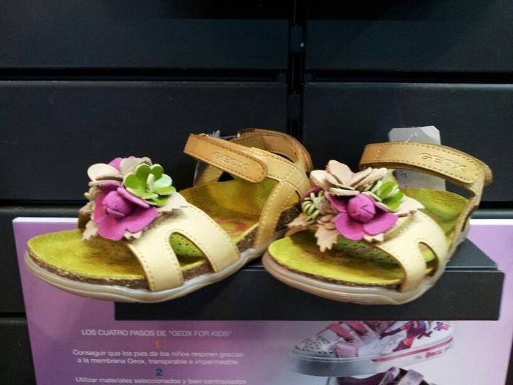 Sandalias para mujer.