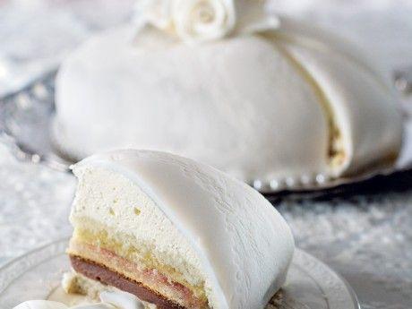 Swedish wedding cake with rhubarb compote and chocolate truffle