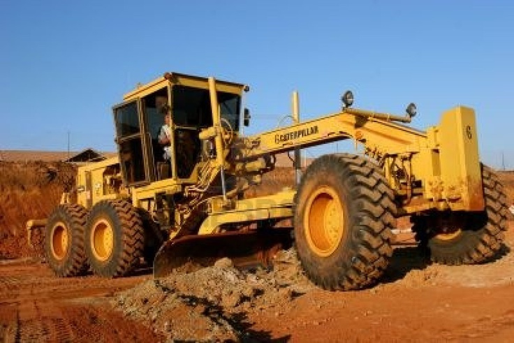 Earth Moving Equipment And Machinery For Road Construction    http://in.kompass.com/live/en/g53050505w4550050/earth-moving-road-making-machinery-equipment/tracks-crawler-earth-moving-equipment-1.html