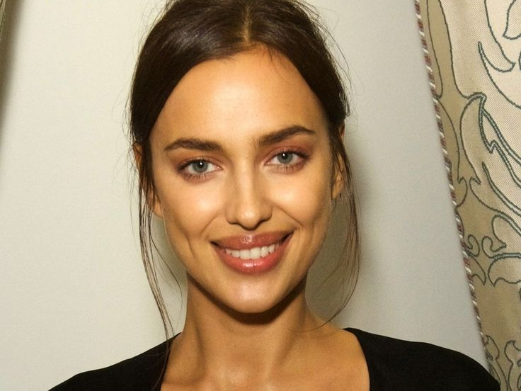 Irina Shayk Pregnant With A Mini Cooper Reimagines This Famous Scene From Ghost