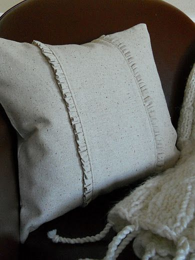 Simple Ruffled Throw Pillow, directions