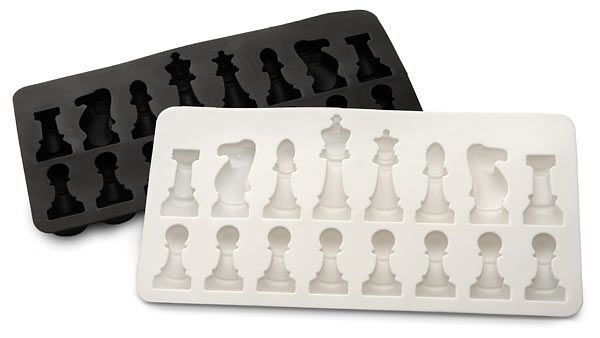 ice-cube trays!: Chess Moldings, Chess Ice, Ice Cubes, Ice Moldings, Chess Pieces, Ice Trays, Ice Speed, Ice Chess, Chess Sets