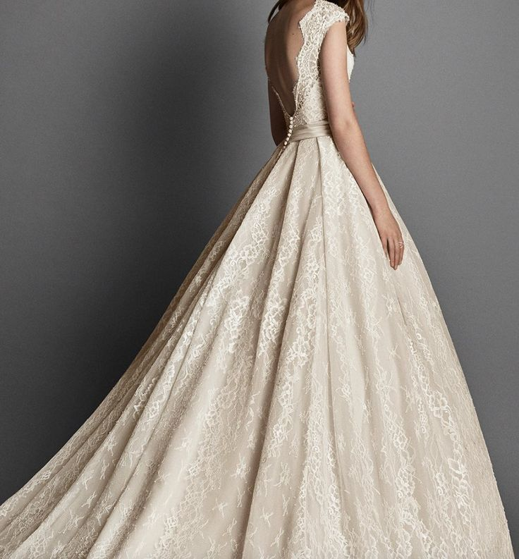 Featured Wedding Dress:Alma Novia;www.almanovia.com; Wedding dress idea.