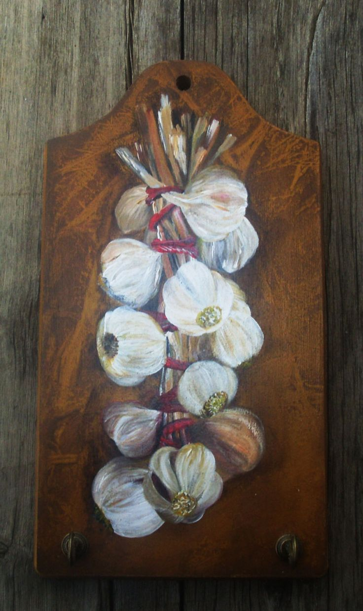 GARLIC BANCH - Wooden Key Holder - Totally Handpainted by allabouthandicraft on Etsy