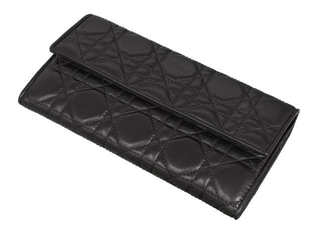 クリスチャン ディオールラムスキンロゴチャーム付 二つ折り長財布 CAL43016P N0A3