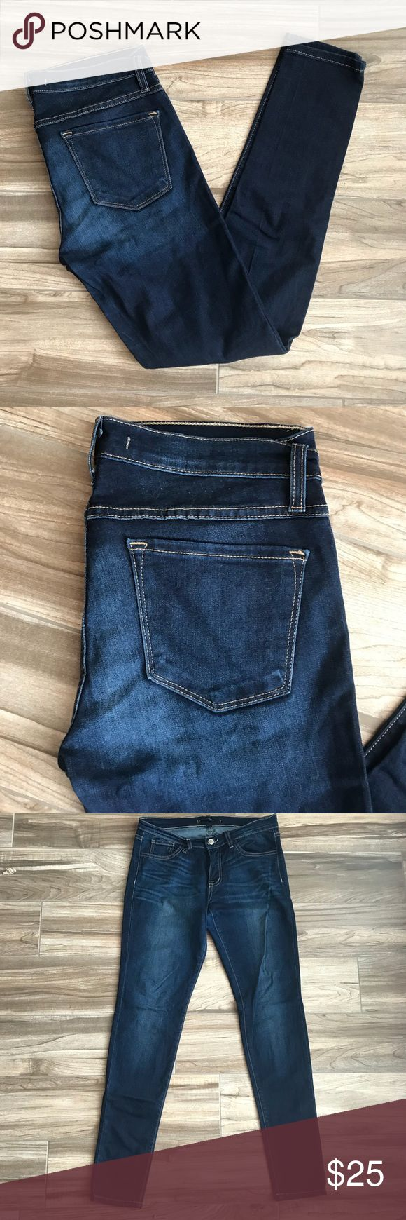 Size 28 flying monkey jeans Dark wash skinny Brand: flying monkey   Tag size: 28  Condition: very slightly worn   Color: Dark blue   Design: Skinny  Material: 68% Cotton 26% rayon 12% polyester 2% spandex   Contact me for any additional measurements or sizing. flying monkey Jeans Skinny