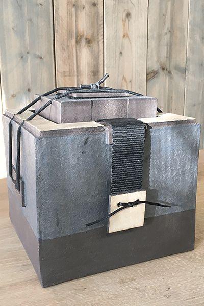 Koesterkluis-urn