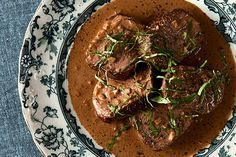 A recipe for Steak Diane with venison. Steak Diane is seared venison medallions with a sauce of brandy, mustard, Worcestershire sauce and beef stock.