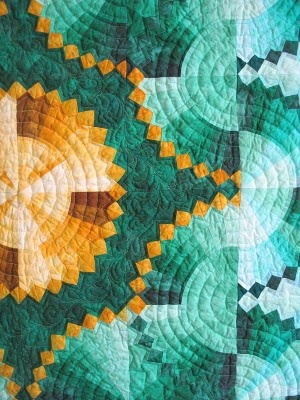 Dresden Plate quilt detail by Deb Geyer