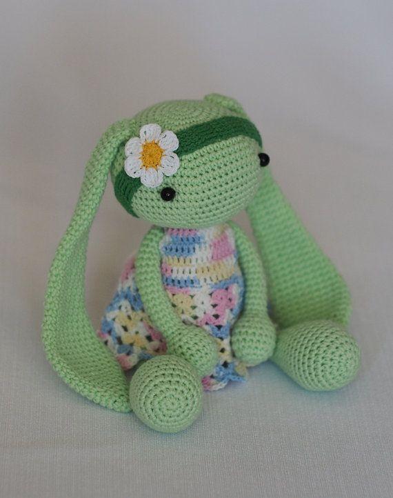 jouet lapin enfant, croched amigurumi poupée, jouet lapin, présent pour enfants, jouet en peluche, vert, robe
