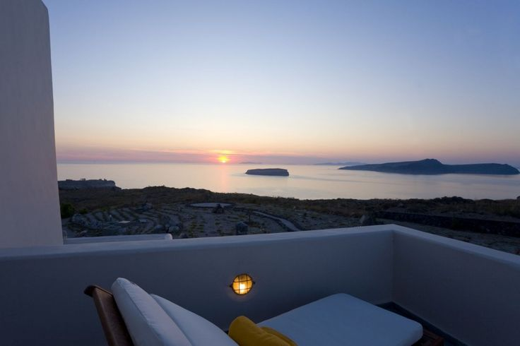 Villa Alina has been located, designed and built with the purpose of making your visit a truly unforgettable one. Guests will experience the true essence of luxury during their stay at the villa, which situated on a sequestered and blissful section on the South Western tip of Santorini.