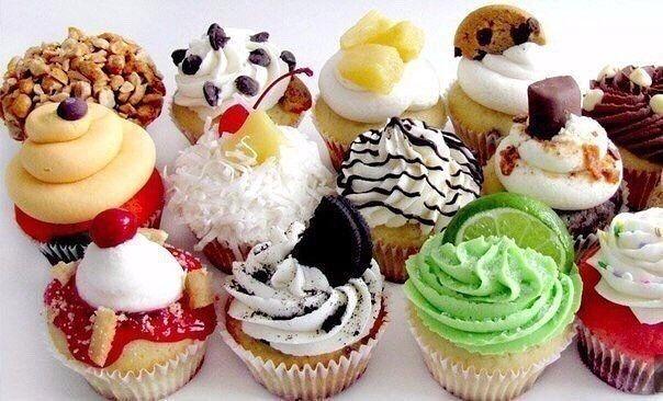 ΤΙ ΜΑΓΕΙΡΕΥΟΥΜΕ ΣΗΜΕΡΑ?: Cupcakes