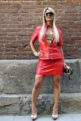 GIULIA REGAIN - ALBUM PHOTO MARIO VALENTINO MODA GLAMOUR ITALIA PIONEER ITALIA T-SHIRT OUT LADY G DONDUP JEANS ROBERTO FOSCHI VFNO - VOGUE FASHION NIGHT MILAN 2012 @ Moda Glamour Italia