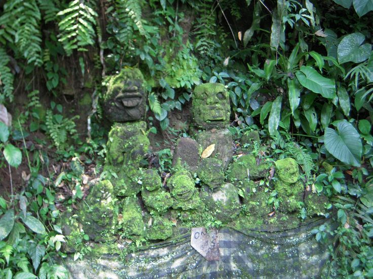 Statue ruins in the jungle