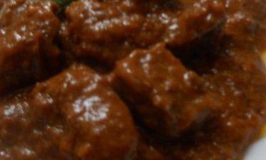 stufato fiorentino di www.iopreparo.com le spezie, e più precisamente la cannella ed i chiodi di garofano, sono la peculiarità di questa preparazione tipica della cucina fiorentina