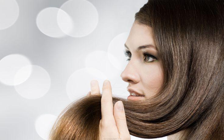 Que tal uma ajudinha para seus cabelos crescerem mais rápido? Além de manter os…