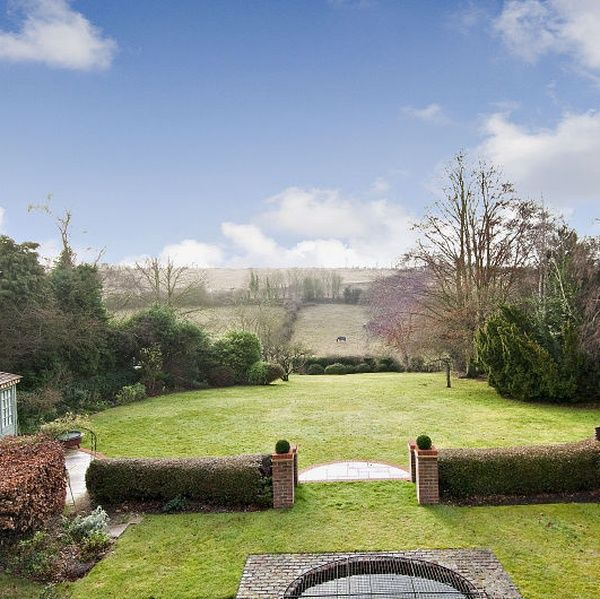 Overlooking Surrey Hills minutes from historic Guildford city centre | TrustedHousesitters.com