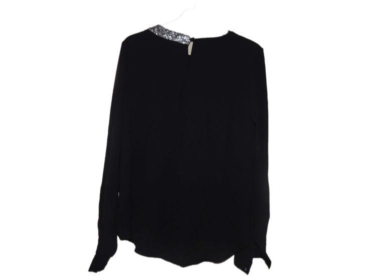 Yakası Boncuklu Siyah Bluz