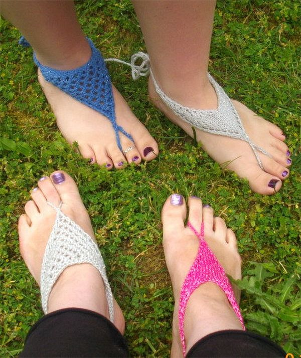 Knitting Pattern for V-Shaped and Triangle Barefoot Sandals - Two