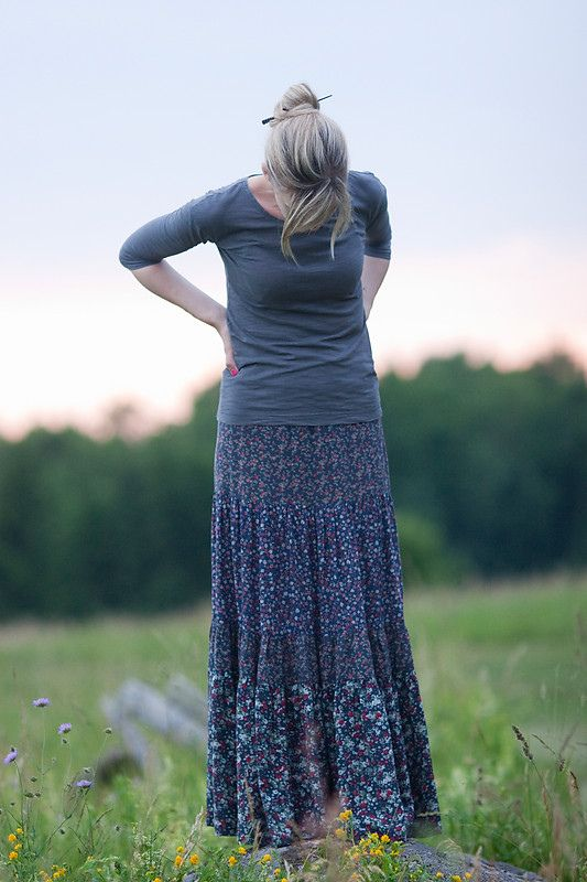 i'm obsessing over this skirt for some reason. i think i need to find some time to try and make one.