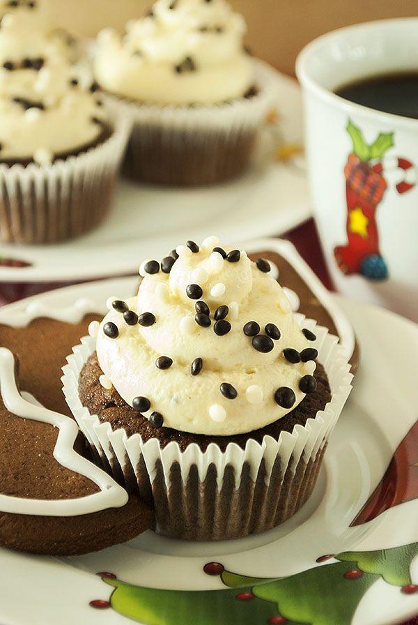 Lebkuchen-Cupcakes mit Honig-Frischkäse-Frosting