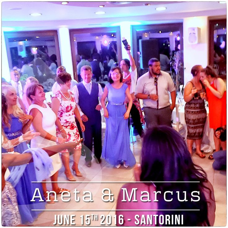 Dancefloor moment from the Wedding of Aneta & Marcus in #Santorini | #DJinSantorini #DJMikeVekris #MikeVekris2016 #MikeVekrisWeddigns #WeddingDJSantorini #SantoriniDJ