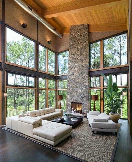 High ceilings maximize outside views