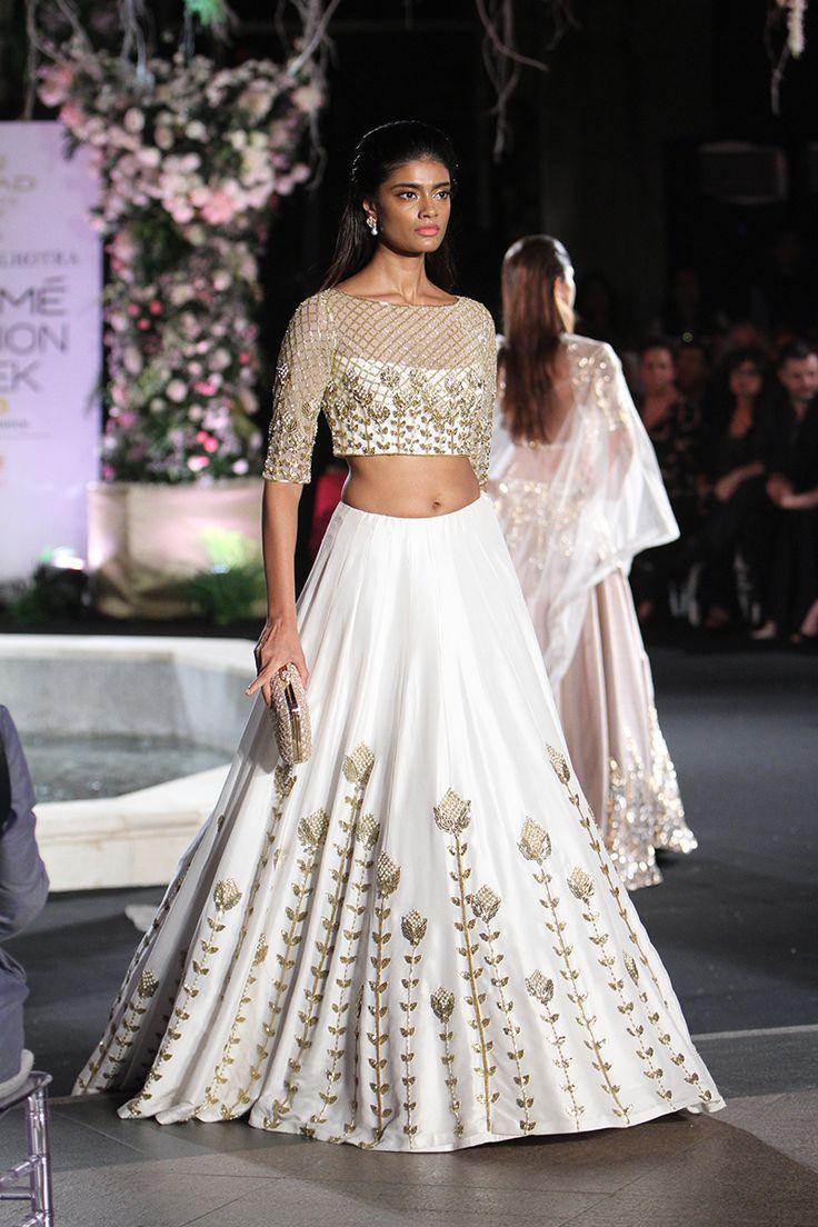 #LakmeFashionWeek Winter/Festive 2016: Gorgeous @ManishMalhotra #Lehenga via Scarlet Bindi - South Asian Fashion n Travel Blog by Neha Oberoi: