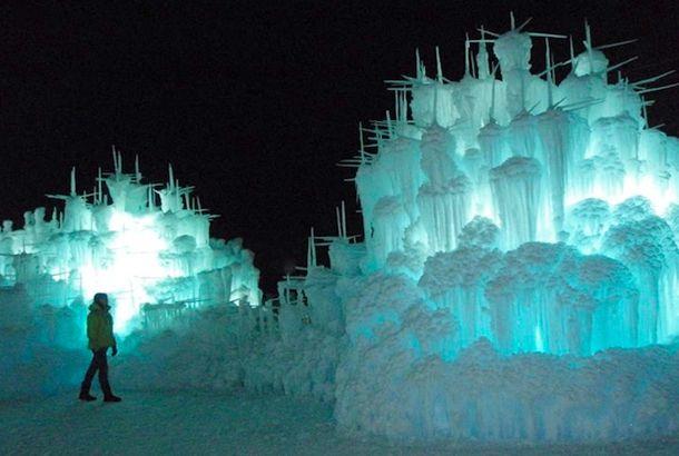 幻想的! まるで魔法で造られた氷のお城「アイス・キャッスル」 - エキサイトニュース