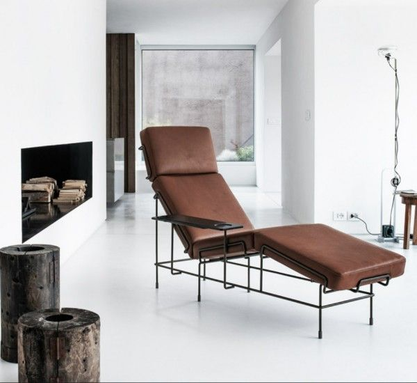 Konstantin Grcic signes Traffic, a chaise longue, which takes up the echoes of the first '900 avant-garde.