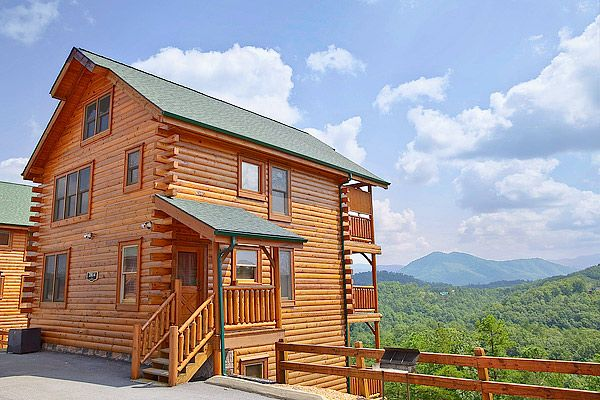 1129 best best lodging in the smoky mountains images on for Pigeon forge cabins with hot tub