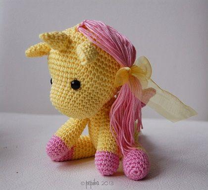 Unicornio tejido en crochet