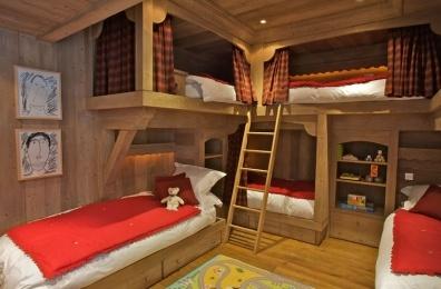Chalet Montana, kids bedroom (really really fun way to do the bunk beds...Elaine JONES) ;)