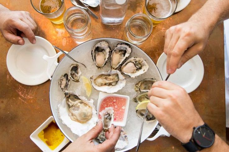 New wave: The neighborhood oyster bar resurfaces in the Bay Area - San Francisco Chronicle